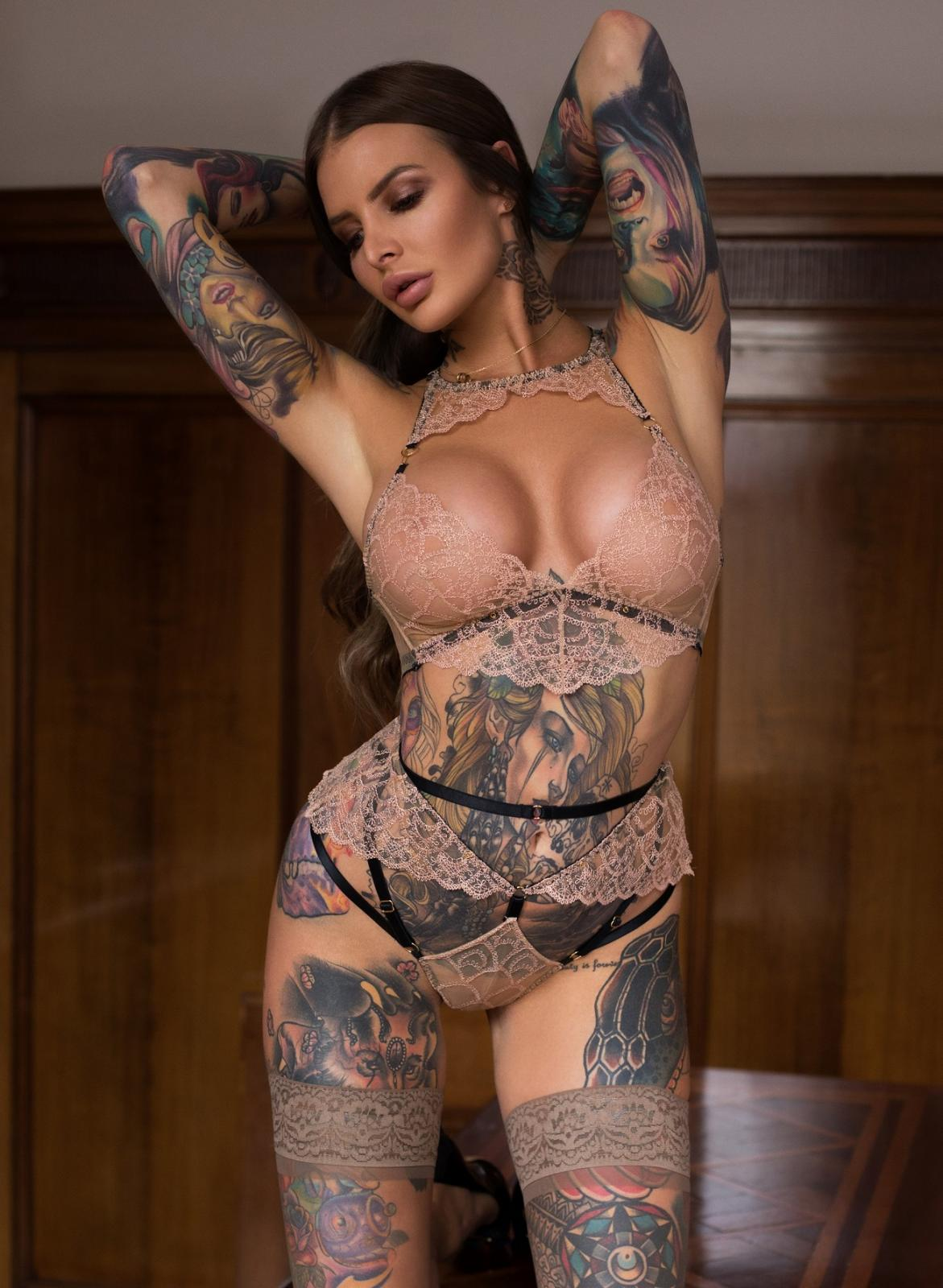 Evelyn in Melbourne this week Wed to Fri 4-6 Oct. New photos uploaded and more to come ;)