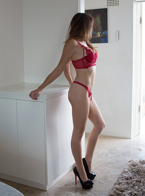 Leggy Brunette available for sex in Sydney
