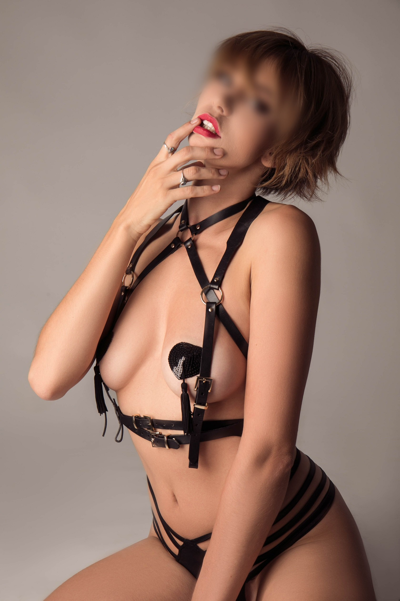 Hot petite, Melbourne Escort, model looks