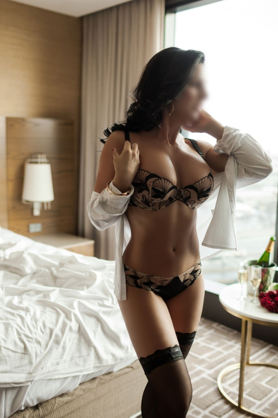 Taylor Rose - Sydney Tour Update of Availability 25th - 27th February