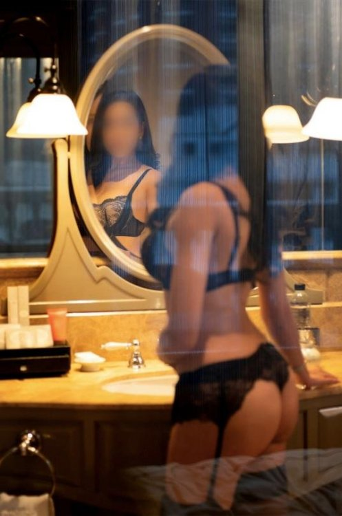 Hottie Eva Rose for your pleasure - Melbourne Escort
