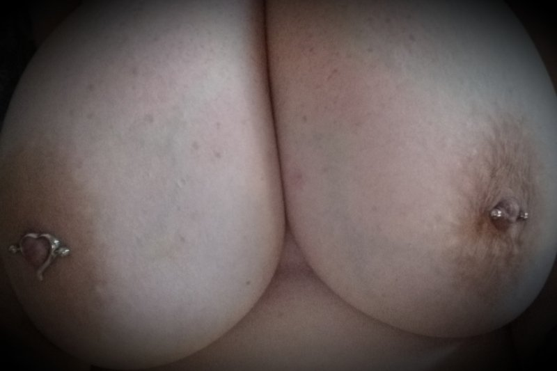 Jade is an Adelaide escort with E cup boobs!