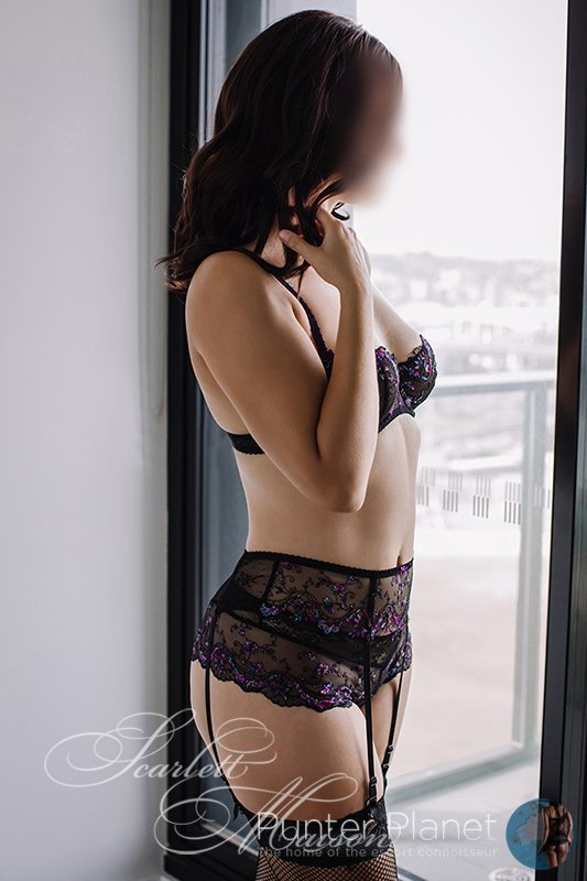 Scarlett Maison  Purveyor of Pleasure - Brisbane Escorts