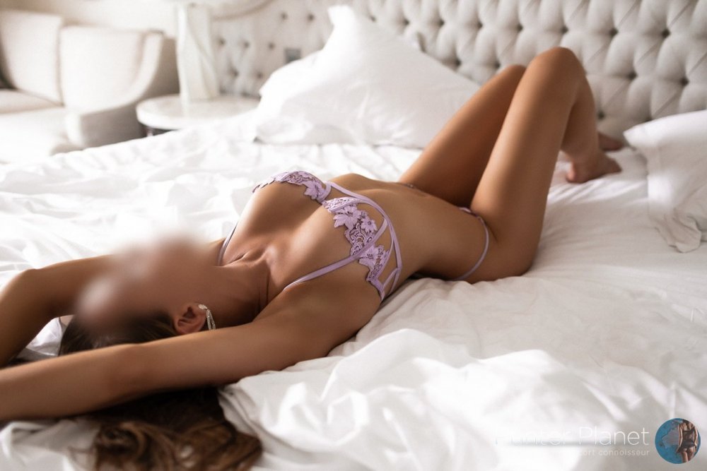 Escort Available in Sydney Cbd & North Sydney.  Incalls + outcalls.