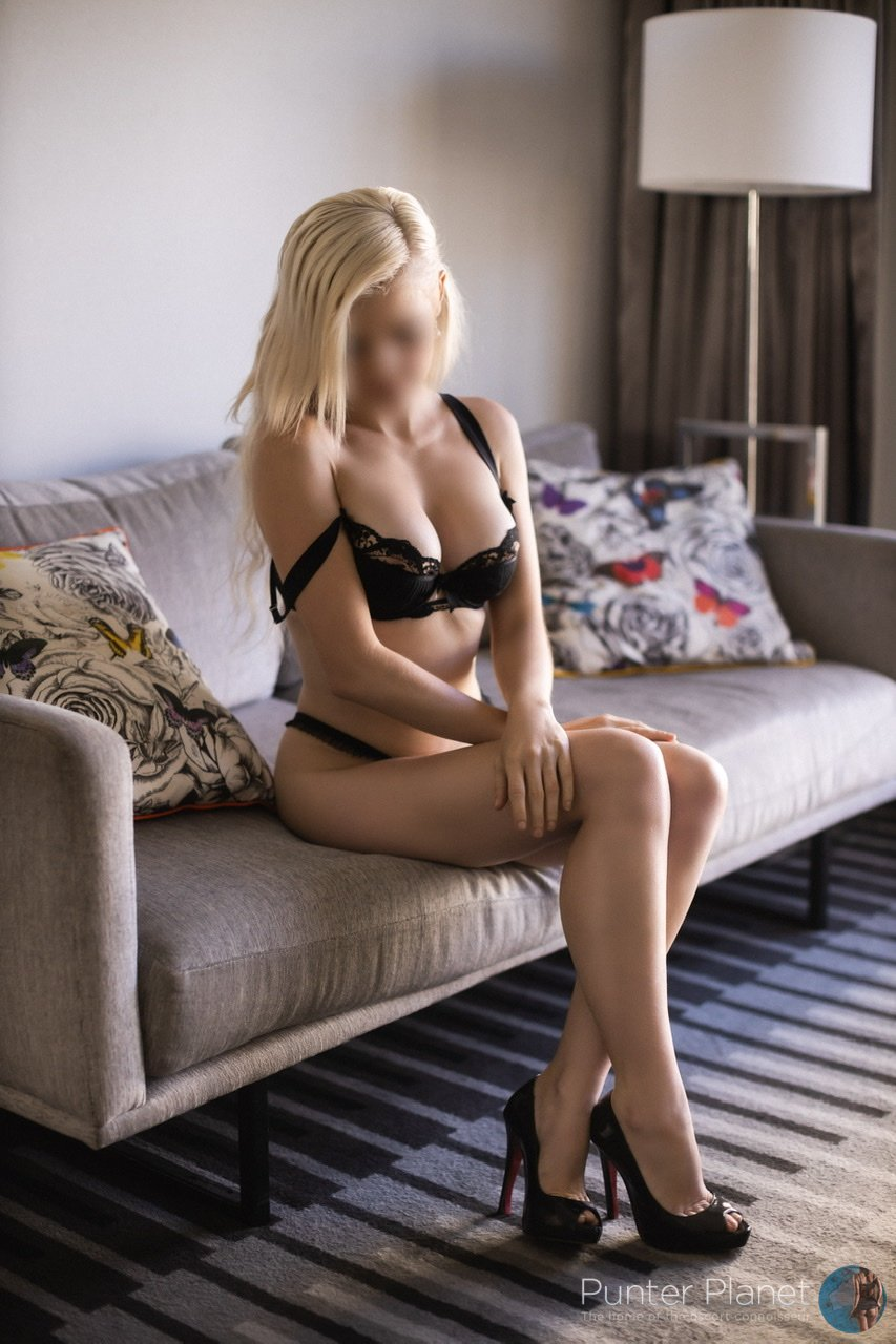Young blonde GFE escort visiting Adelaide